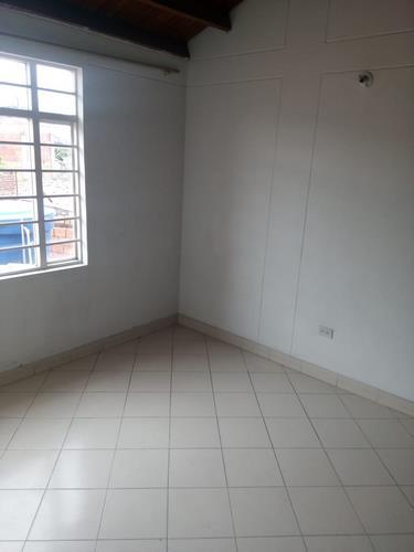 en-venta-casa-barrio-ceiba-dos-cúcuta-evya-3-csv-en-venta-y-arriendo (4)