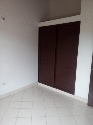 en-venta-casa-barrio-ceiba-dos-cúcuta-evya-3-csv-en-venta-y-arriendo (7)